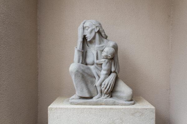 Charles Umlauf, War Mother, 1939, cast stone