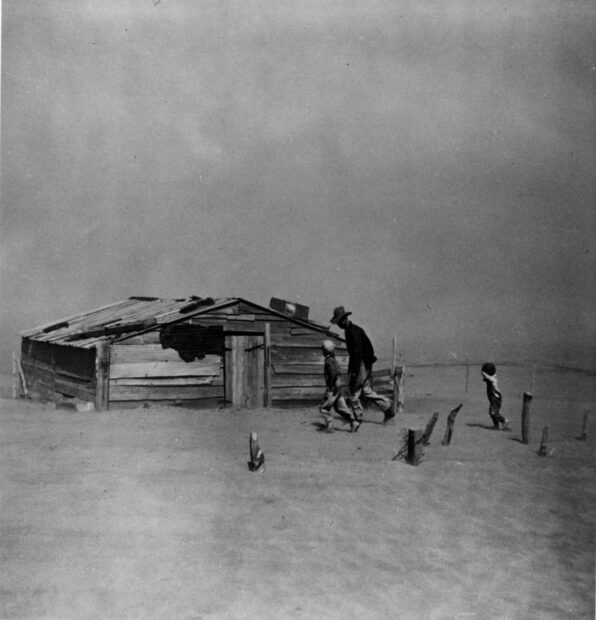 Fleeing a dust storm. Arthur Rothstein